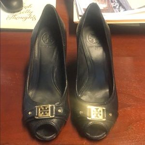 Tory Burch wedges in size 9.5! Good condition !